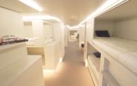 В самолетах появятся спальные салоны и детские площадки (видео)