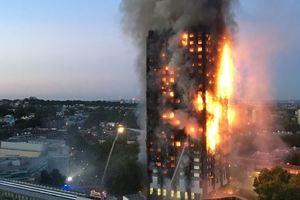 Жертвами чудовищного пожара в Лондоне стали уже 79 человек