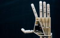 Бельгійські студенти створили роботизовану руку для сурдоперекладу (ВІДЕО)