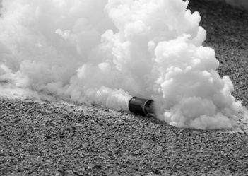 Близ палаточного городка на Грушевского неизвестные распылили слезоточивый газ