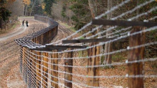 В Польше передумали строить стену на границе с Украиной