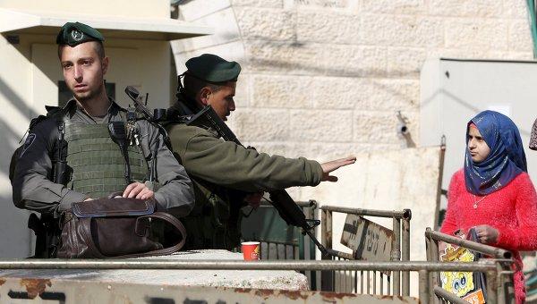 Израиль закрывает границу с сектором Газа
