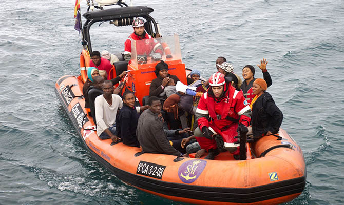 Евросоюз придумал, как отвадить мигрантов от рискованных морских путешествий