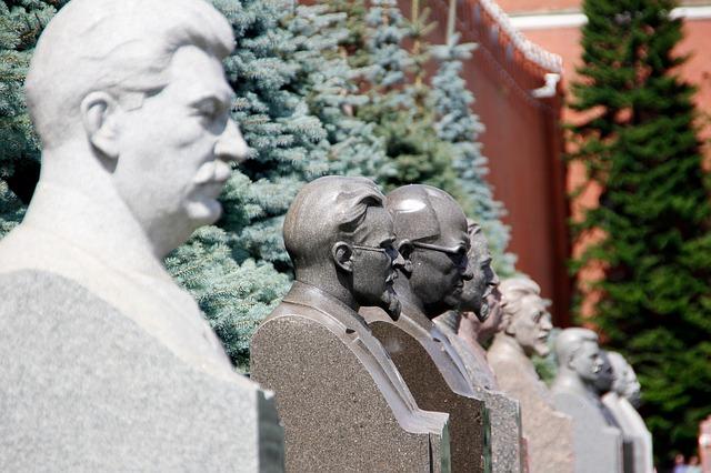 40 процентов россиян верят, что ВЧК и КГБ действовали в интересах государства