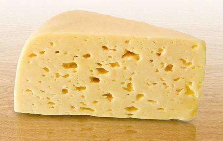 В Грузии производителям запретят называть сыром продукты из молочного порошка