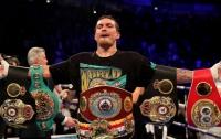Александр Усик попал в тройку сильнейших боксеров мира