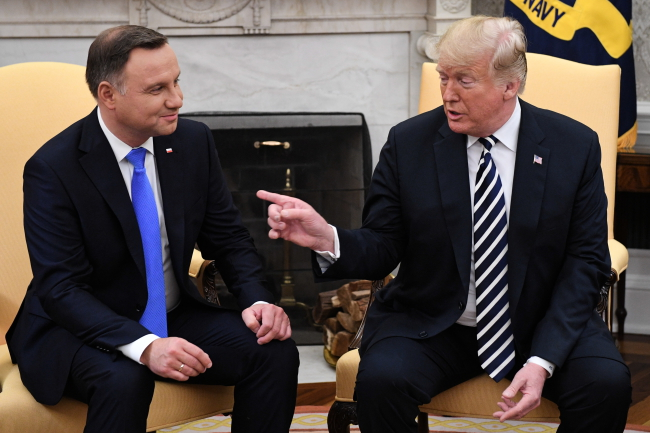 Polish, US presidents hold talks at the White House