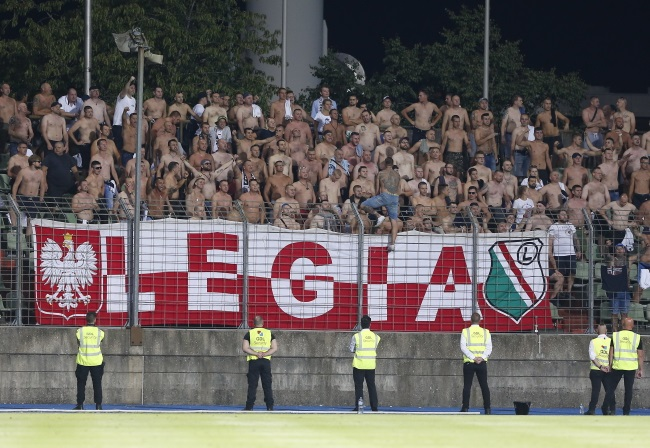 Football: Legia Warsaw's Europa League hopes end in Luxembourg