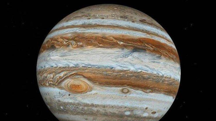 На Юпитере произошел гигантский белый ураган (фото)
