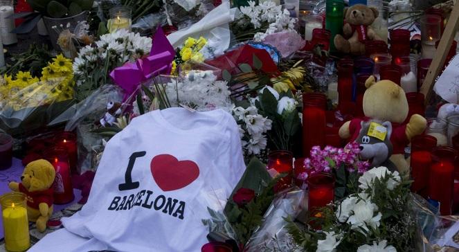 В Барселоне вспоминают жертв двух терактов