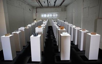 Любительница селфи разбила экспонаты на $200 тысяч
