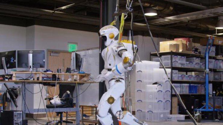 NASA испытало марсианского робота-гуманоида (видео)