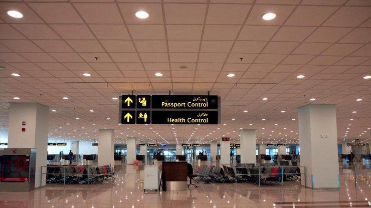 Хакеры выставили на продажу международный аэропорт