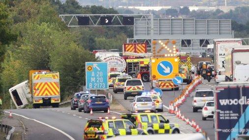 Из-за ДТП с автобусом в Англии пострадал 41 человек: детали