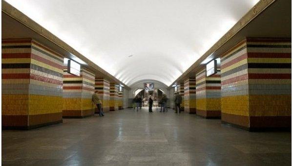 В Киеве не будут декоммунизировать лозунги СССР на станции метро Шулявская