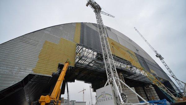 Новое укрытие над ЧАЭС заработает до конца 2018 года - Порошенко
