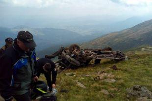 На Закарпатье отец и сын на автомобиле сорвались в пропасть: оба погибли