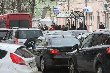 Київська влада попереджає про обмеження руху транспорту на деяких вулицях 20-24 серпня