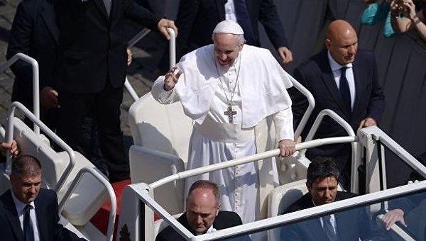Папа Римский пошутил о своей будущей канонизации