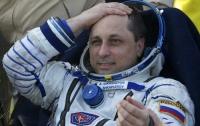 Космонавт оседлал пылесос и полетал по МКС