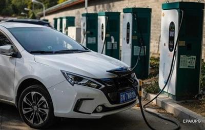 В Украину ввезли в три раза больше электромобилей