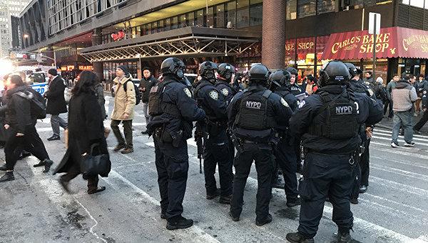 Полиция Нью-Йорка сообщила о возможном взрыве на Манхеттене