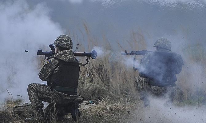 За прошедшие сутки в АТО пострадали 5 украинских военных