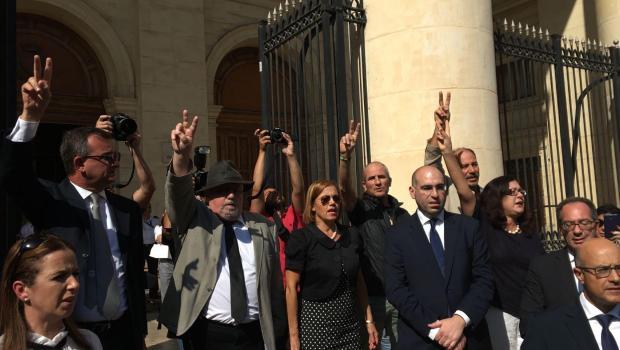 На Мальте жители вышли на протест после убийства журналистки