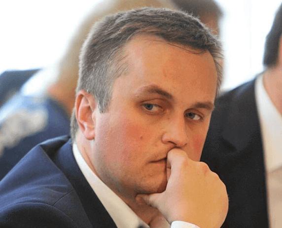 Холодницький повідомив, що КДКП іще не надіслала документи у його справі, й засідання поки що не призначено