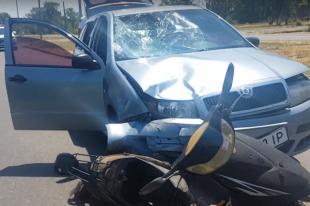 В Бердянске женщина на мопеде попала под колеса автомобиля