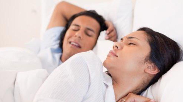 Почему во сне скрипят зубами: ответ ученых