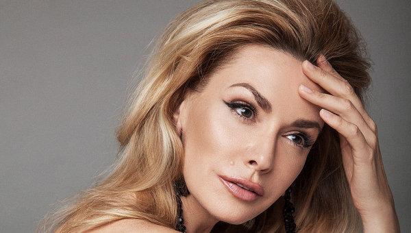 Больно за Украину: известная актриса прокомментировала запрет Сватов