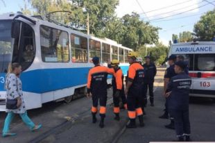 В центре Николаева трамвай переехал женщину, которая переходила улицу