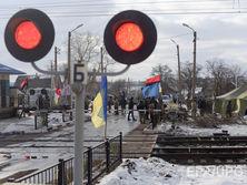 В декабре 2016 года ветераны добробатов объявили о начале блокады ЛДНР, в марте 2017 года СНБО принял решение о временной полной остановке транспортного сообщения с оккупированными территориями