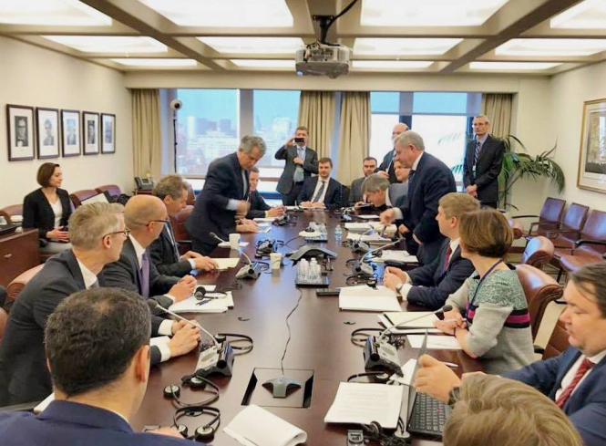 Украина и МВФ обсуждают условия четвертого пересмотра программы сотрудничества
