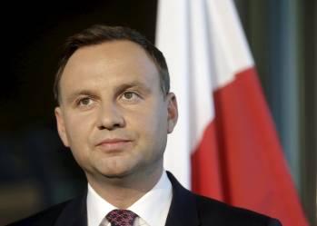 Необходимо возобновить разрешение на эксгумацию и перезахоронение останков погибших в Украине и Польше – Дуда
