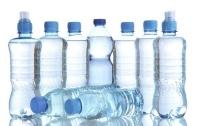 Академік розповів про можливу небезпеку бутильованої та срібної питної води