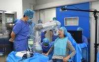 Робот-стоматолог впервые в истории самостоятельно провел операцию
