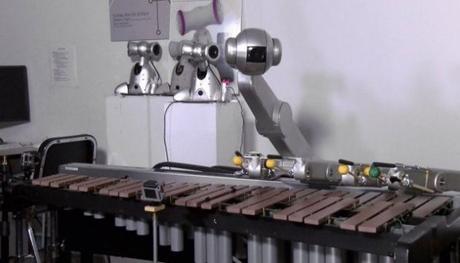Американские ученые создали робота музыканта и композитора одновременно (ВИДЕО)