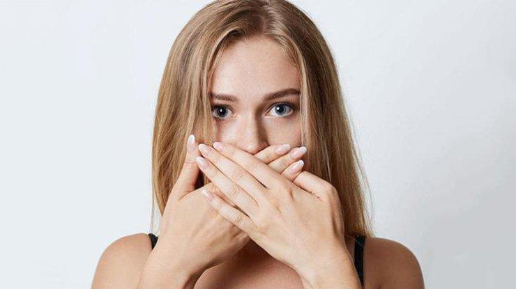 Неприятный запах изо рта свидетельствует о болезни