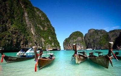 Один из популярных пляжей мира закрыли для туристов