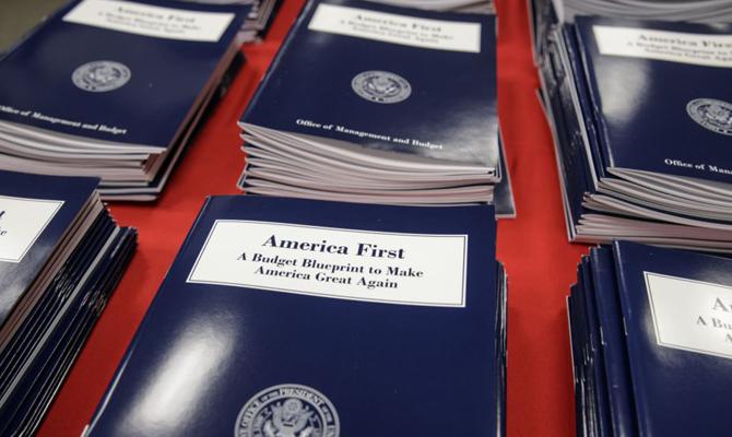 Трамп подписал бюджет на 2018 год