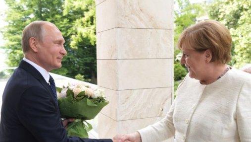 Долго беседовали наедине: встреча Меркель с Путиным закончилась