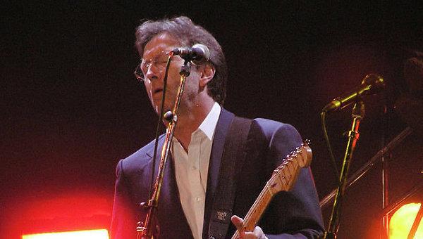 Легендарный британский музыкант теряет слух