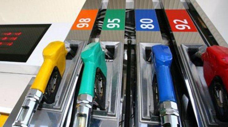 Цены на бензин в Украине продолжают падать