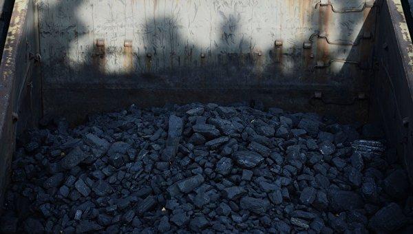 В Украину доставили 75 000 тонн антрацита из ЮАР