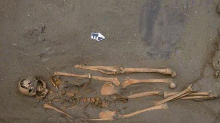 Археологи нашли кладбище людей с дополнительными руками и ногами