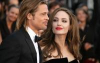 Джоли шантажирует Питта дневником об их семейной жизни