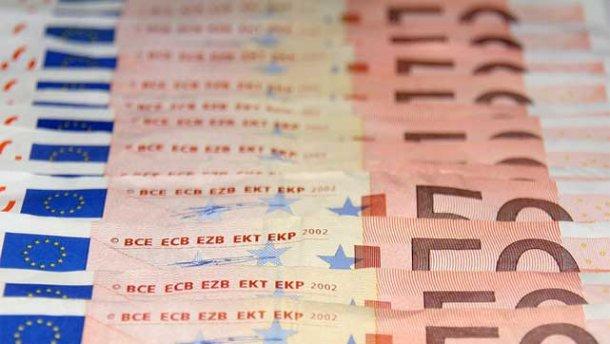 Курс валют на 26 квітня: долар зріс суттєво, євро – не дуже