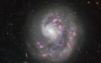 Хаббл сделал снимок необычной спиральной галактики